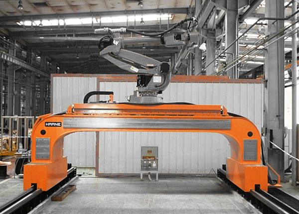 Роботы для сварки с высокоточной продольной кареткой в конструкции портала