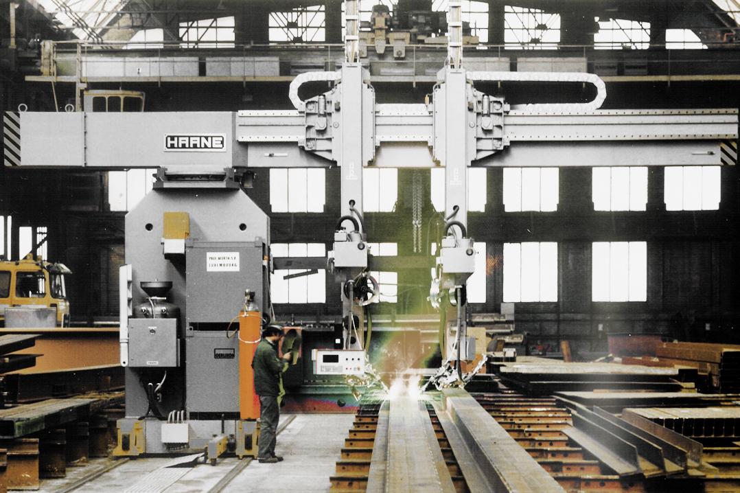 Schweißen von I- und H-Trägern für Stahlkonstruktionen